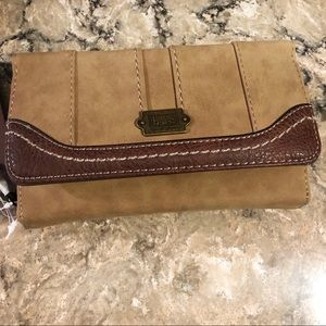 Born Concepts leather phone charging wallet